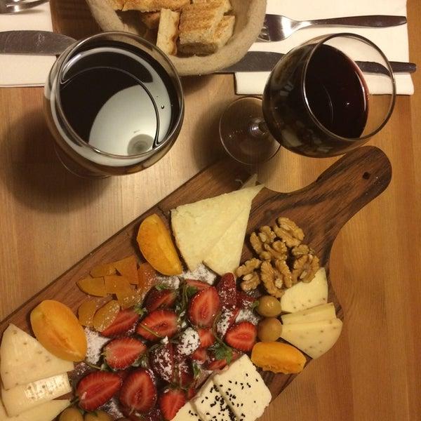 6/15/2014 tarihinde Filiz A.ziyaretçi tarafından Semolina Kafe & Restoran'de çekilen fotoğraf