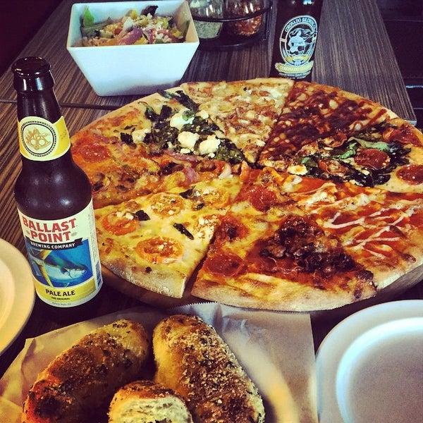 Foto diambil di Pizza on Pearl oleh Mike P. pada 11/29/2014