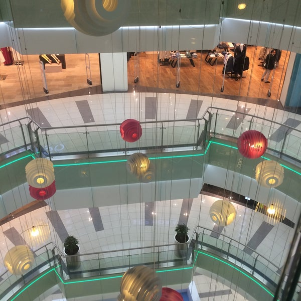 Photo prise au MarkAntalya par Татьяна Ш. le4/30/2015