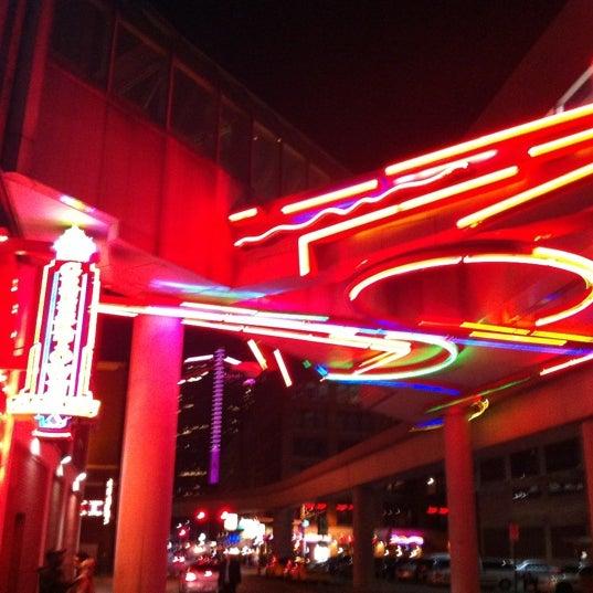 Foto scattata a Greektown Casino-Hotel da Mark J. il 10/13/2012