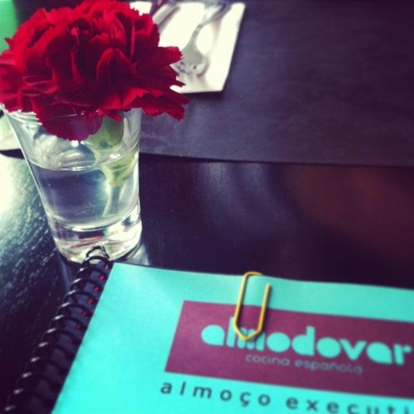 รูปภาพถ่ายที่ Restaurante Almodovar โดย Felipe C. เมื่อ 1/8/2013
