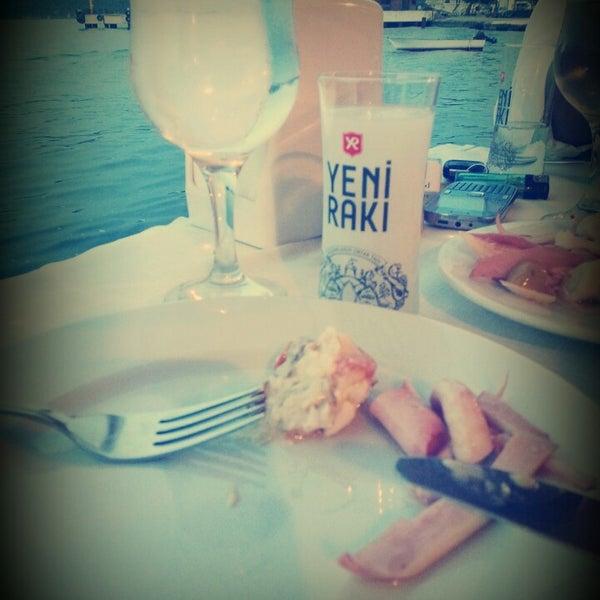Foto tirada no(a) Yasemin Restaurant por dilan A. em 6/8/2014
