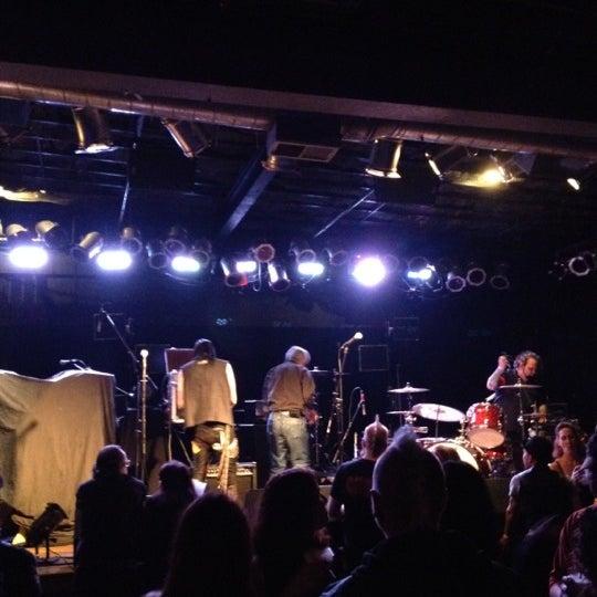 Photo prise au Bottom Lounge par Zeke F. le10/14/2012