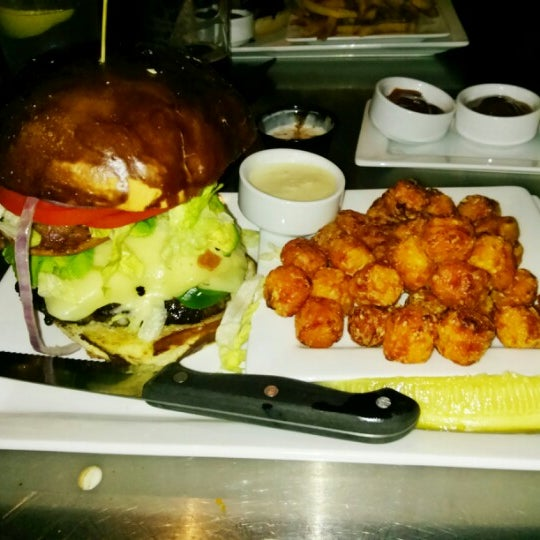 Probably the most swangin burger I've ever had