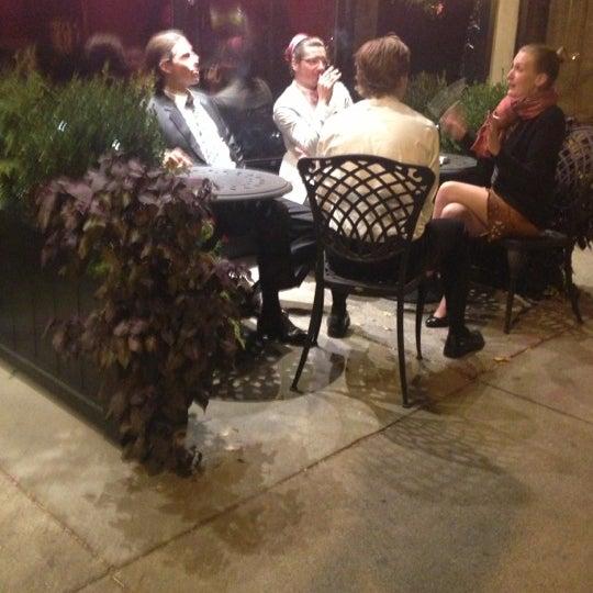 10/14/2012 tarihinde Katie M.ziyaretçi tarafından West Side Lounge'de çekilen fotoğraf