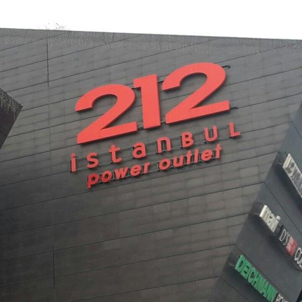 Foto tirada no(a) 212 İstanbul Power Outlet por Mustafa T. em 4/7/2015