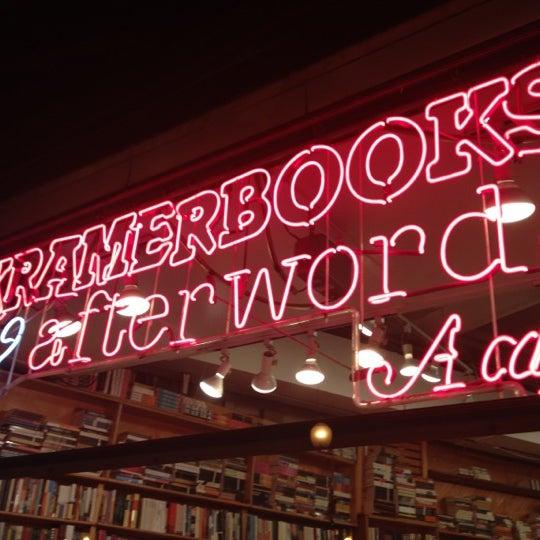 Photo prise au Kramerbooks & Afterwords Cafe par James C. le12/9/2012