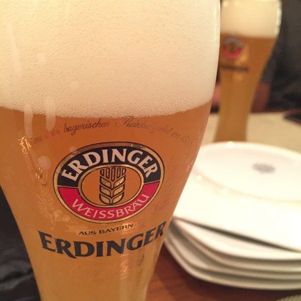 Снимок сделан в Die Stube German Bar & Resto пользователем Klinfarng P. 8/14/2016