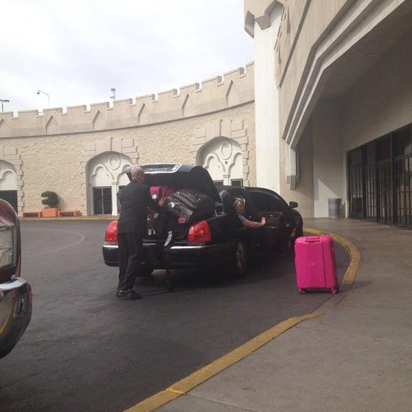 Pick Up  Drop Off Rotunda - Bus Station In Las Vegas-6128