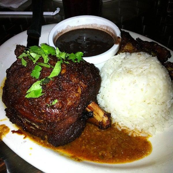 Foto tirada no(a) Cafecito por Anthony R. em 9/22/2012