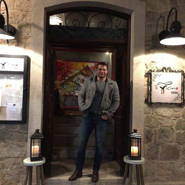Das Foto wurde bei Il Vicino Pizzeria von Can P. am 12/24/2016 aufgenommen