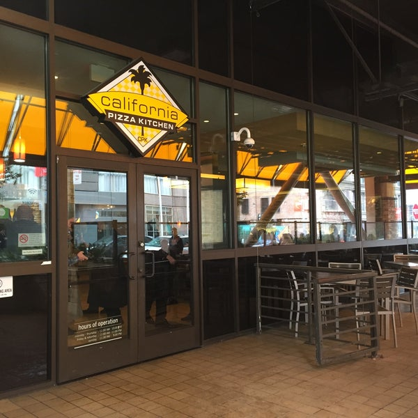 Strange Photos At California Pizza Kitchen Pizza Place In San Home Interior And Landscaping Synyenasavecom