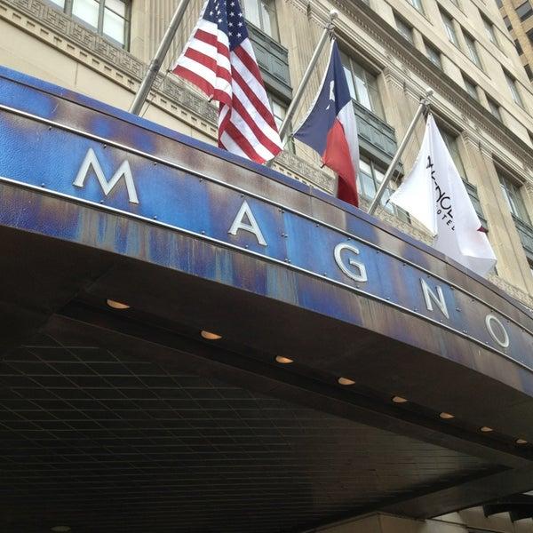 Снимок сделан в Magnolia Hotel пользователем bridgette h. 4/16/2013