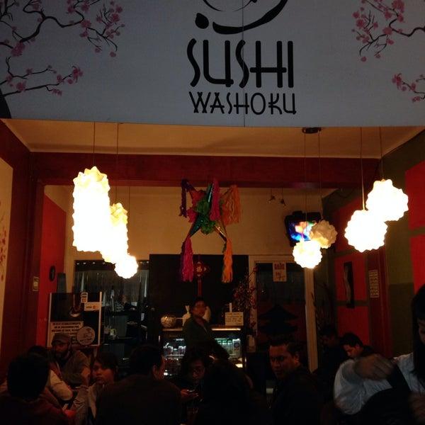 Foto diambil di Sushi Washoku oleh Rosa D. pada 12/18/2013