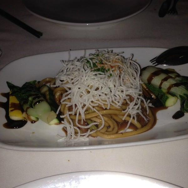 7/9/2013 tarihinde Robin C.ziyaretçi tarafından China Grill'de çekilen fotoğraf