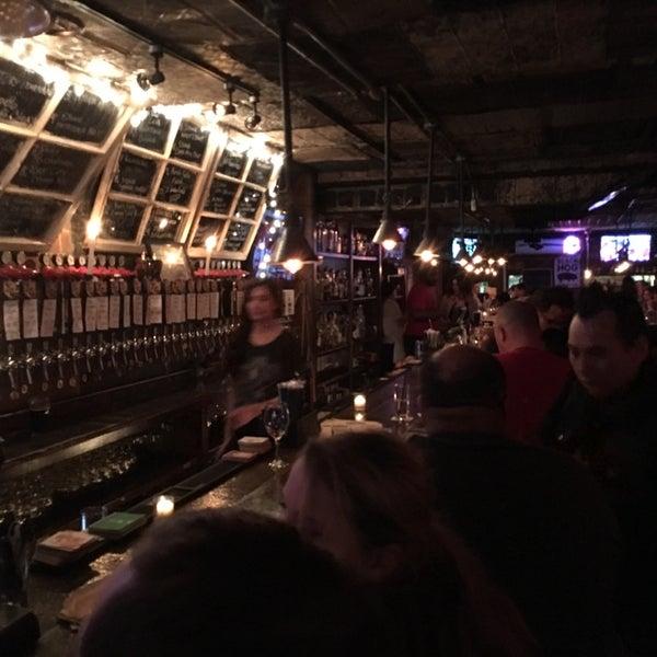 4/17/2016 tarihinde Sean L.ziyaretçi tarafından Fools Gold NYC'de çekilen fotoğraf