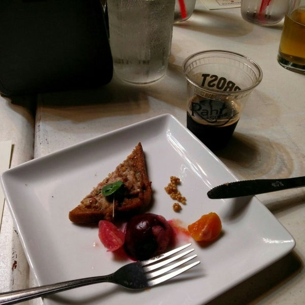 1/23/2017에 Carl K.님이 Greenhouse Craft Food에서 찍은 사진