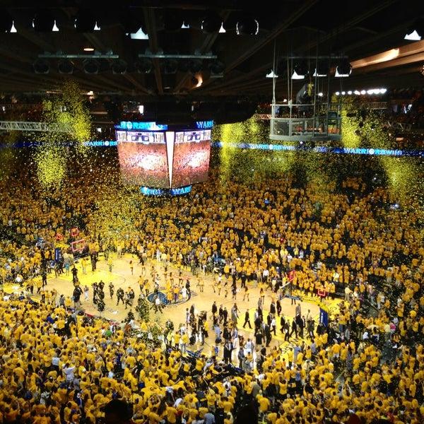 รูปภาพถ่ายที่ Oakland Arena โดย Lionel C. เมื่อ 5/13/2013