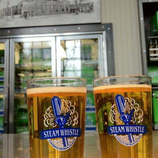 10/20/2012 tarihinde Vikki L.ziyaretçi tarafından Steam Whistle Brewing'de çekilen fotoğraf