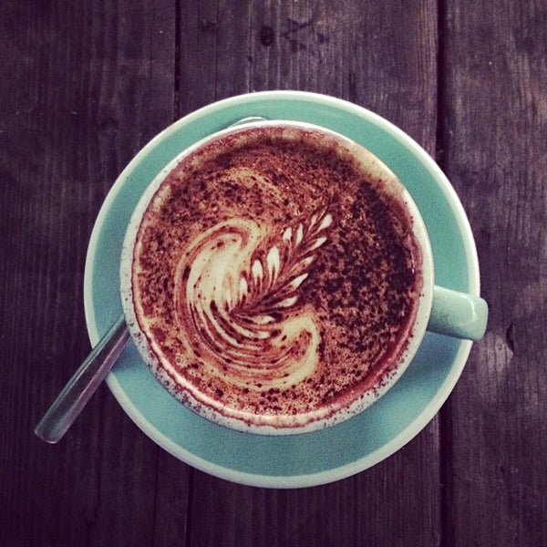 Foto diambil di Brickwood Coffee & Bread oleh Benjamin L. pada 2/14/2015