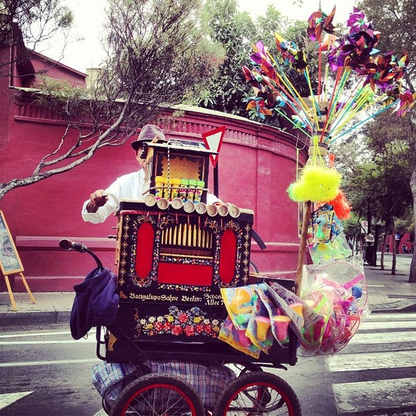Foto scattata a Paseo Barrio Lastarria da Jorge P. il 3/30/2013