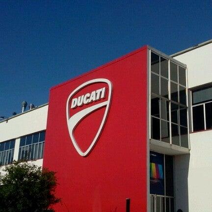 9/20/2012 tarihinde Ayako H.ziyaretçi tarafından Ducati Motor Factory & Museum'de çekilen fotoğraf