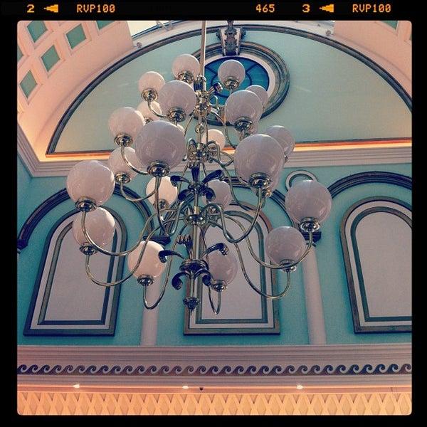 Foto tomada en Centro Comercial Gran Vía 2 por David H. el 4/20/2013