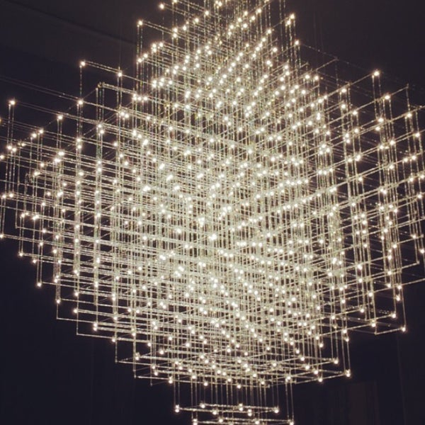 รูปภาพถ่ายที่ Design Museum Gent โดย Célien E. เมื่อ 12/4/2014