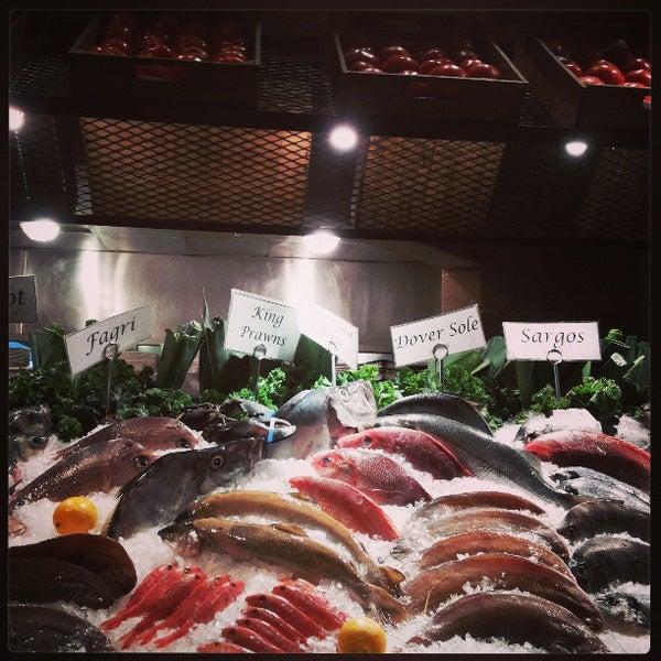 รูปภาพถ่ายที่ Kellari Taverna NY โดย El A. เมื่อ 5/3/2013