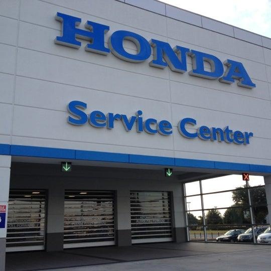 Das Foto wurde bei Round Rock Honda von Gina am 11/10/2012 aufgenommen