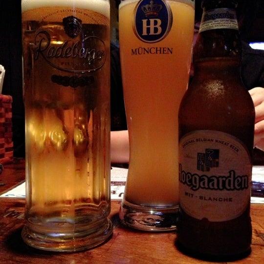 Photo prise au Wurst Und Bier par Joyce L. le1/1/2013