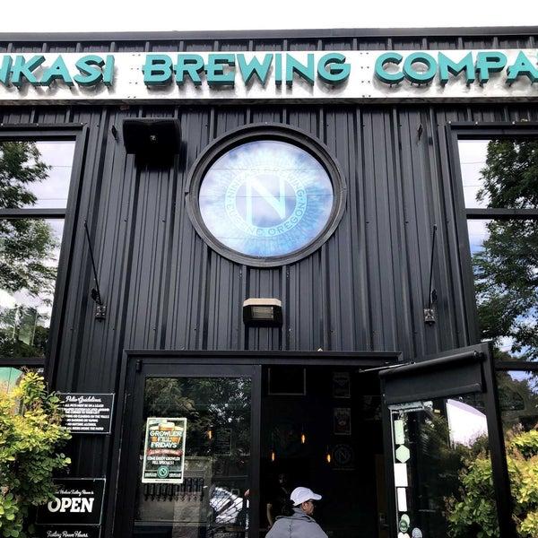 รูปภาพถ่ายที่ Ninkasi Brewing Tasting Room โดย EJ H. เมื่อ 7/6/2019