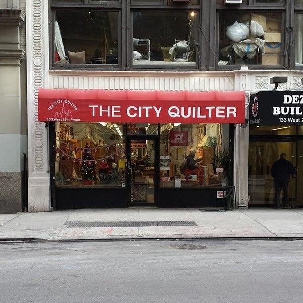 Foto tomada en The City Quilter por Mike P. el 12/20/2013