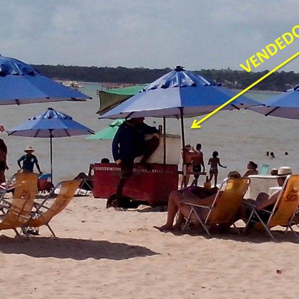 """Galera, atenção em frente desse hotel tem um vendedor de bebida e comida na praia """"na orla"""" um senhor moreno, pois ele esta cobrando um absurdo para usar guarda-sol e sentar na sua cadeira."""