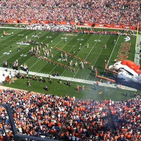 Foto diambil di Broncos Stadium at Mile High oleh Dan K. pada 9/23/2012