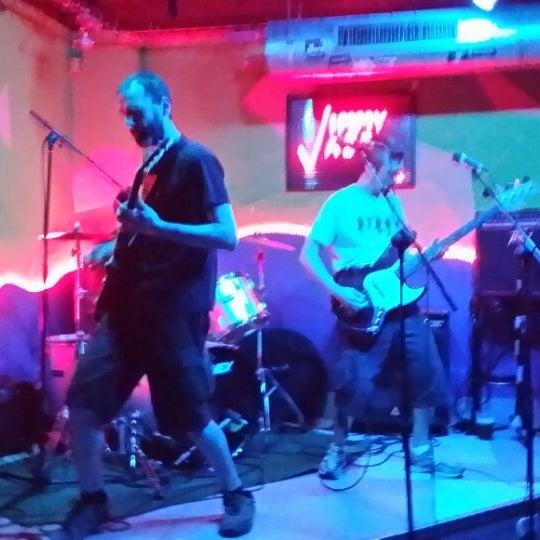 Das Foto wurde bei Jimmy Jazz von Laura L. am 4/10/2014 aufgenommen