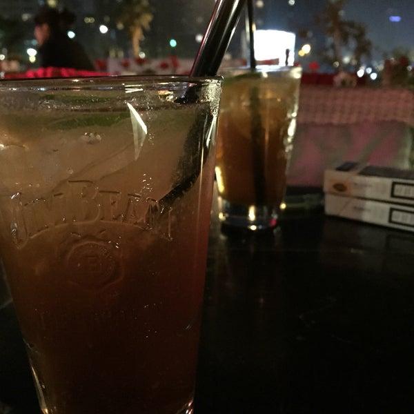 Photo prise au Cafe Locale İstanbul par Tunahan Y. le5/1/2015