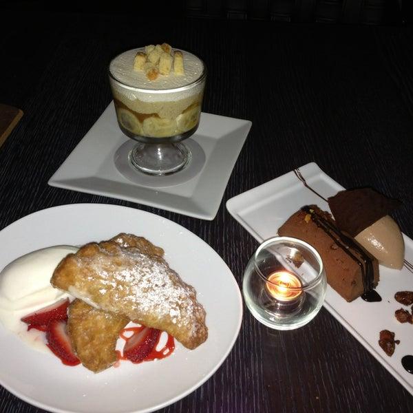 Photo prise au NoPa Kitchen + Bar par Hallie M. le6/1/2013