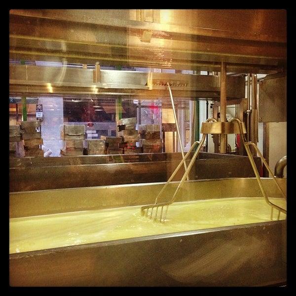 3/28/2013에 Melody K.님이 Beecher's Handmade Cheese에서 찍은 사진