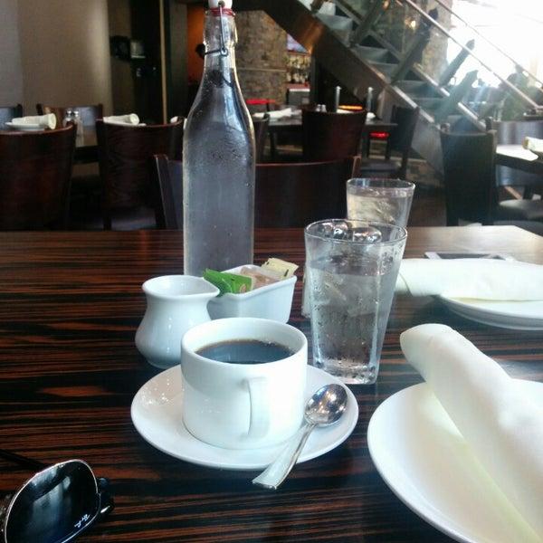 Das Foto wurde bei Bellwether Meeting House & Eatery von Princess 👑 am 10/25/2014 aufgenommen