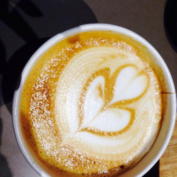 Das Foto wurde bei Joe Coffee von Lauren B. am 4/3/2015 aufgenommen