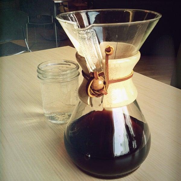 Foto tirada no(a) Accelerando Coffee House por Candace J. em 4/23/2013