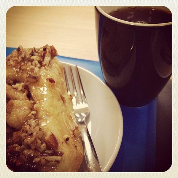 Foto tirada no(a) Accelerando Coffee House por Candace J. em 9/15/2012