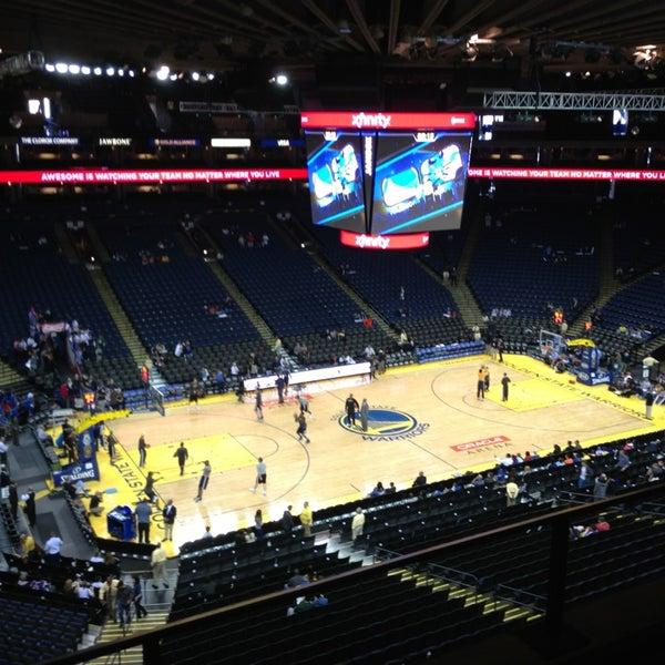 รูปภาพถ่ายที่ Oakland Arena โดย Javier S. เมื่อ 4/4/2013