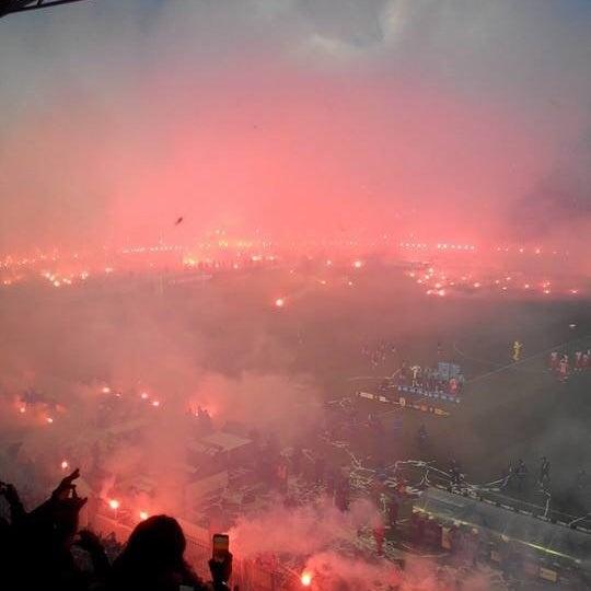 รูปภาพถ่ายที่ Toumba Stadium โดย 🚲Nikos p. เมื่อ 4/16/2014