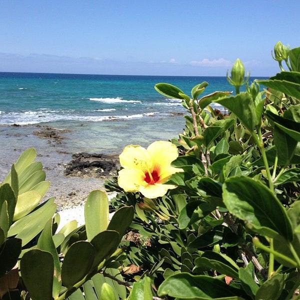 Foto tomada en Hilton Waikoloa Village por Dennis J. el 3/31/2013