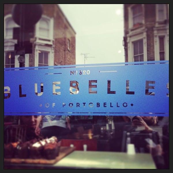 Das Foto wurde bei Bluebelles of Portobello von Guillaume B. am 4/28/2013 aufgenommen