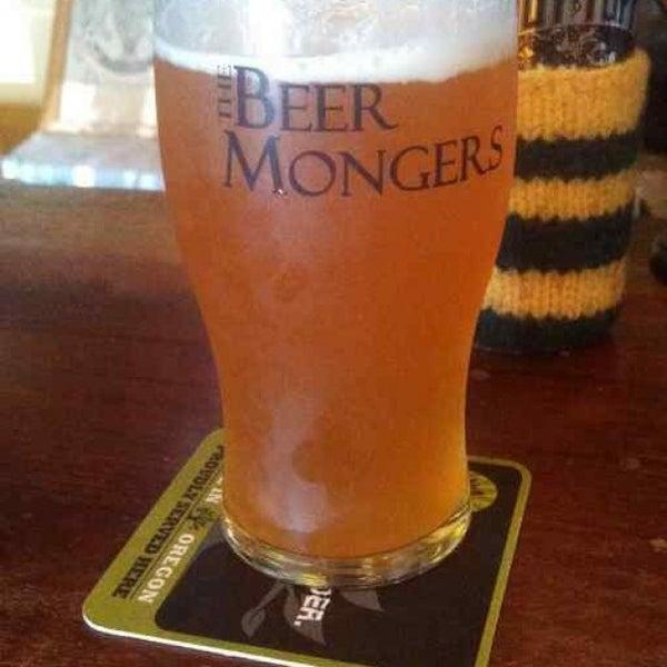 Photo prise au The BeerMongers par Michael F. le7/27/2013