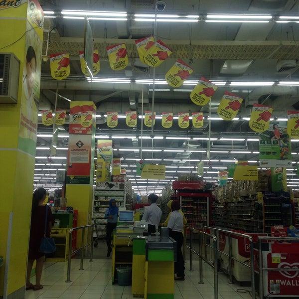 supermarket btc bandung