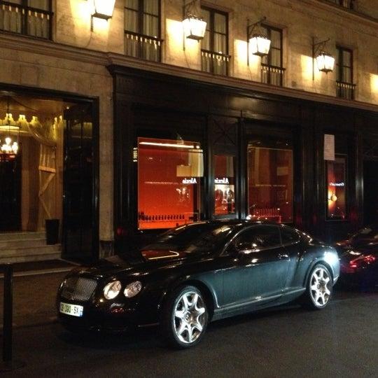 Foto diambil di Hôtel Costes oleh Thierry R. pada 11/7/2012